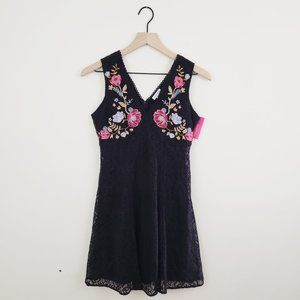 Black Embroidered Lace Shift Dress NWT Size XS